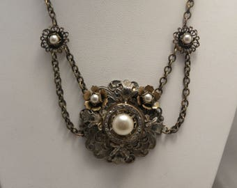 Vintage Art Deco Brass Festoon Flower Necklace