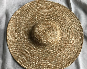Ladies Large Undecorated Flexible Flat Crowned Bergere Style Straw Hat 18th Century Colonial Historical Style