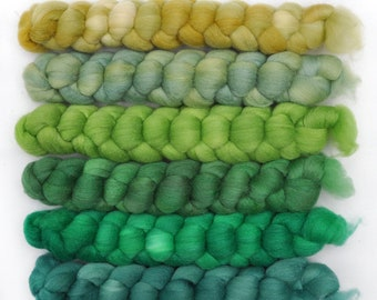 Hand dyed roving -  Silk / Merino wool 20/80% spinning fiber - 6.3 ounces - Streaming