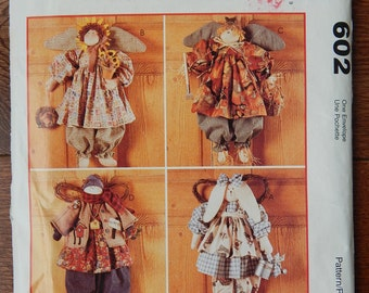 Country Angels Sewing Pattern Seasonal, Bunny, Sunflower, Scarecrow, Snowman/ McCalls Crafts 602 by Faye Wine/ Stuffed, Soft Sculpture/Uncut