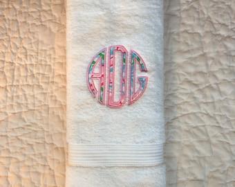 Lilly Pulitzer 3 Letter Monogram Hand Towel // Lilly Pulitzer / Preppy Girl's Bathroom Hand Towel / College Dorm Towel / Bridesmaids