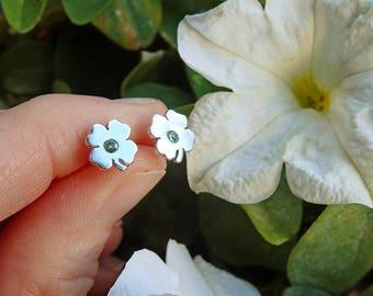 Trébol pendientes / pendientes trébol plata 925 / trebol pendientes pequeños / trebol piedra verde pendientes / pequeño trébol cuatro hojas