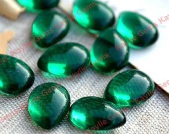 Vintage Glass Cabochon Cab Tear Drop 14x10 Emerald Green - BIN3 - 4pcs