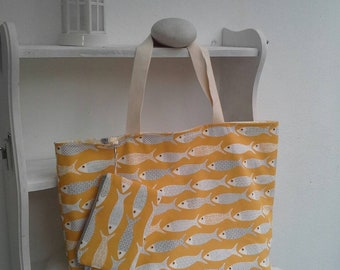 Beach bag and pouch, yellow fish