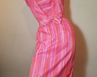 FREE  SHIPPING  1950 Summer Hourglass Dress
