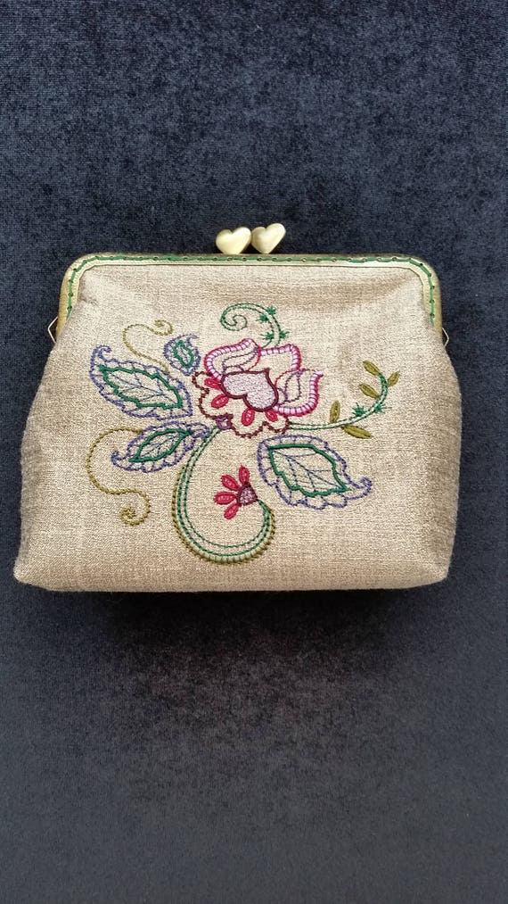 CP215.  Jacobean Floral design purse.