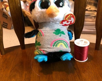 Beanie boo penguin or owl Rainbows and Shamrocks sweater and hat