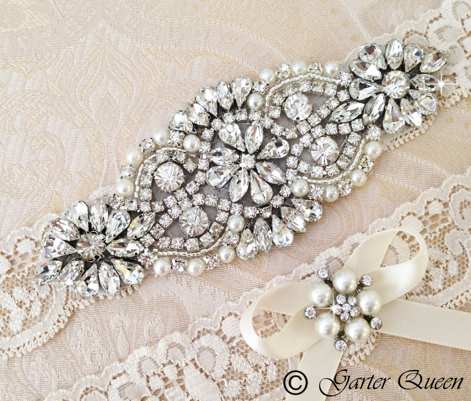 What Is A Garter At A Wedding: Ivory Lace Garter Set Wedding Garter Bridal Garter Set