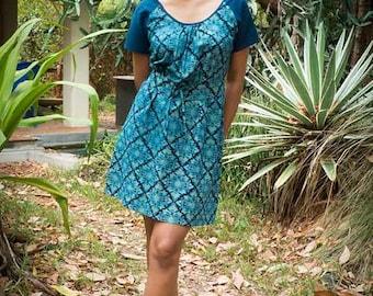 Robe tunique en coton bleu imprimé - Coton bio teint  à l'indigo naturel et imprimé au bloc à la main