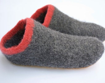 Boiled Wool Slippers - Socks with soles made from Felted Merino Wool - Charcoal Grey w Coral Stripe
