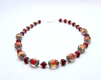 Necklace with Inclusion of gold leaf Murano glass