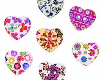 8 wooden hearts and flowers 2.5 cm wooden buttons