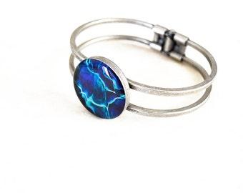 Ripples resin cuff bracelet / Round blue bracelet / Antique silver bracelet / Sea inspired bracelet / Whimsical bracelet / FREE SHIPPING