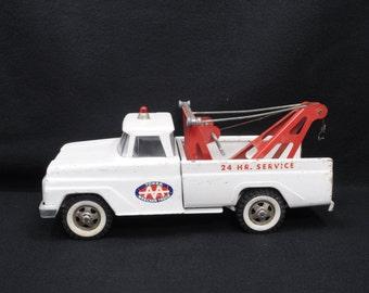 Vintage Tonka Tow Truck Wrecker AA