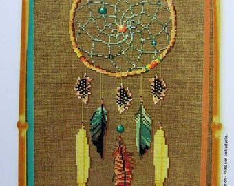 Dreamcatcher – counted cross stitch chart, American Indian style dreamcatcher. Chart, key in English or French. Indian Dreamcatcher.