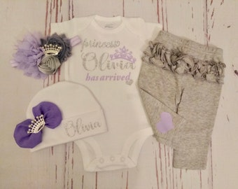 Baby Girl coming home outfit, take home outfit, baby clothes, baby girl outfit, princess has arrived, baby hospital outfit, clothes, name
