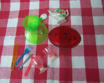 tiny toy mismatched dishes