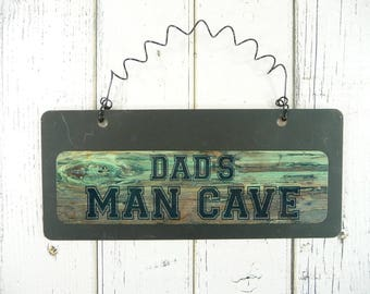 DADS MAN CAVE Sign Wooden Metal Chalkboard Father's Day Gift Small Wire Hanging Door Garage Rugged Wood-Look