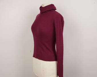 Burgundy Red Cropped Tight turtleneck 80s vintage Lightweight Ribbed knit pullover Small to Medium