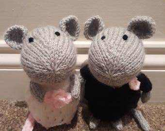 Mice Bride & Groom Hand Knitted Toy Gifts (Made from an Amanda Berry pattern).