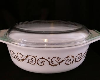 Vintage Pyrex Empire Scroll/Vines Promotional 1.5 qt Oval Casserole Dish With Lid - #043