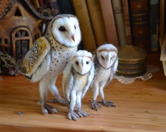 Barn owl with babies - by Harthicune