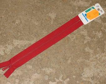 CLEARANCE 1 Z13 non detachable red zipper 20 cm
