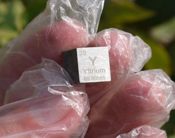 99.9% High Purity Yttrium Rare Earth Elements Metal Y 10mm Cube element collection