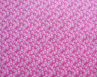 100% cotton fabric coupon floral Fuchsia and white 48 x 48 cm