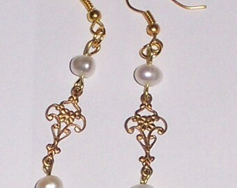 ANTIQUE LOOKING PEARL  earrings