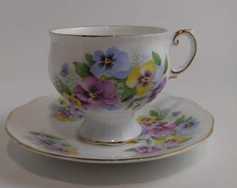 CLEARANCE Rosina Four Cups and Saucers Vintage Fine Bone China Set of 4 REDUCED AGAIN!   #215