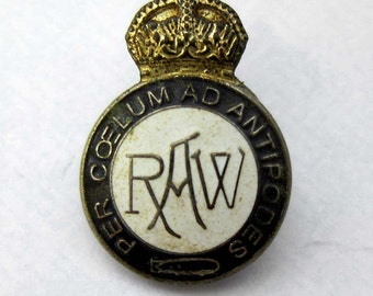 Royal Airship Works pin lapel Badge R100 R101 Zeppelin Dirigible Airship RAW Aged condition