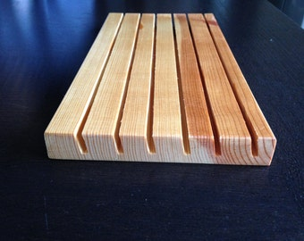 """Wood ruler holder for quilters rulers, 5"""" X 8"""", 6 slots, Pine"""