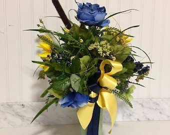 cemetery vase flowers, grave flowers, cemetery decoration, vase flowers, flowers for cemetery vase, memorial flowers