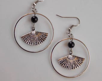 earrings... sos hot.. .perle agate and fan...