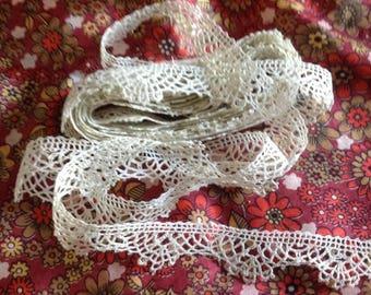 Vintage border, type Cluny bobbin lace