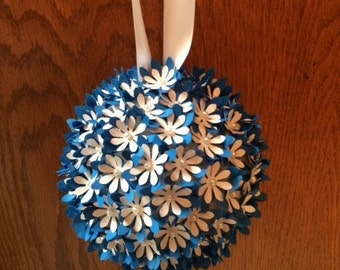 Customizable Flower Kissing Ball