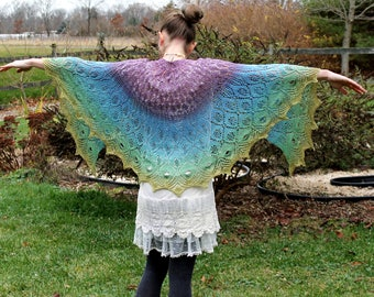 Showstopper Shawl Kit (knit) - Silk Fingering, 200 g/ 868 yds - hand dyed Gradient yarn, 100% mulberry silk