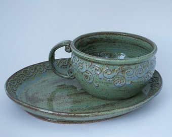 Soup and sandwich combo\/Speckled green-blue-brown plate and bowl with flourish slip decoration