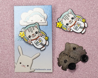 Cat enamel pin, Kawaii space cat lapel pin, Cute animal backpack pin, Jacket pin, Hard enamel metal badge, Cat lover gift, Flat Bonnie