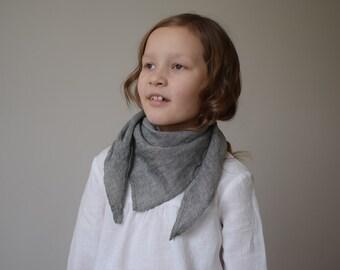 Girls neckerchief Girls scarf Boys neckerchief Neck warmer Triangle Bandana Scarf Triangle neckerchief Linen Bandana bib Boy neck scarf