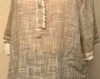 Cotton tunic and faded beige linen