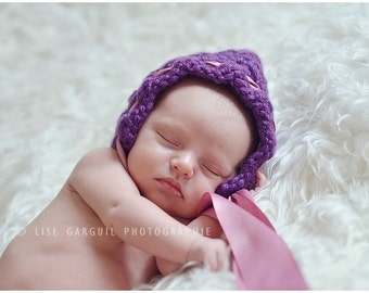 PATTERN:  Simple and Easy Pixie Bonnet, any kind of yarn, size Newborn to 3m, Easy Crochet PDF, hat ribbon gnome elf, InStanT DowNLoaD