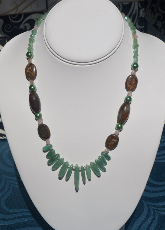 "18"" Green Jade Drop Necklace"