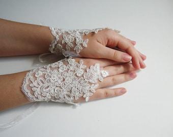 Wedding gloves, ivory bridal glove, lace fingerless gloves