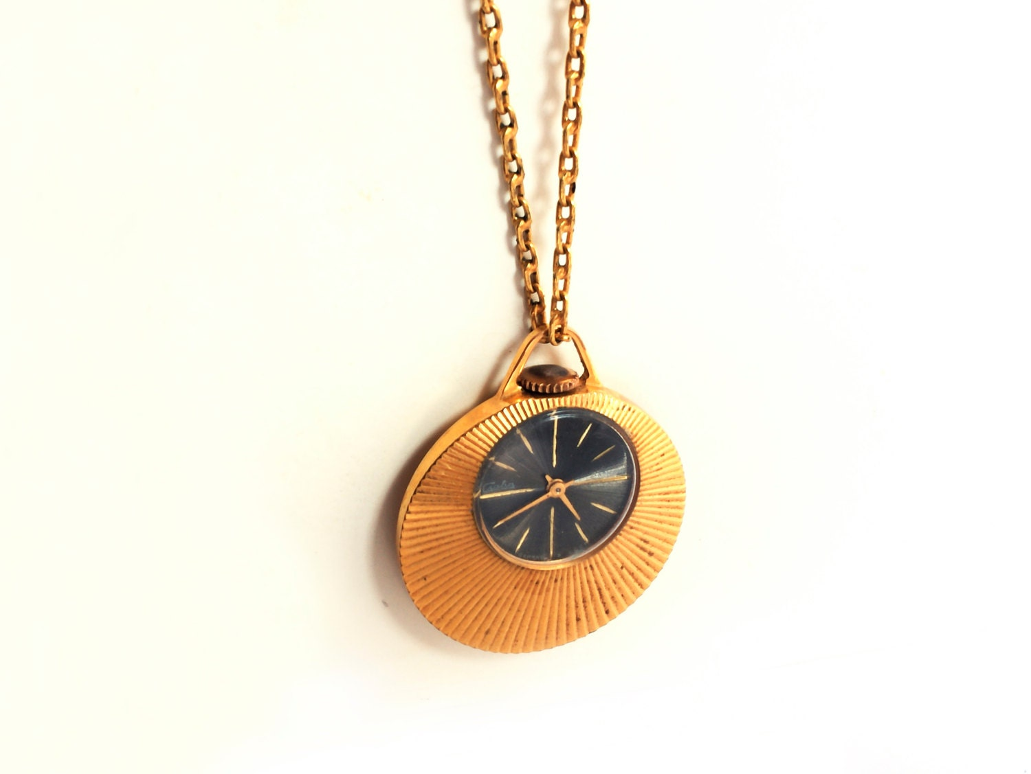 watch jewelry necklace pendant product mechanical bluependulum gear