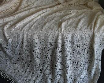 Antique handmade crochet crochet quilt