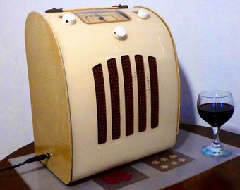 Bluetooth Speaker System 1947 British Ever Ready model C/A Radio with Aux inputs and FM radio. 80watts continous!
