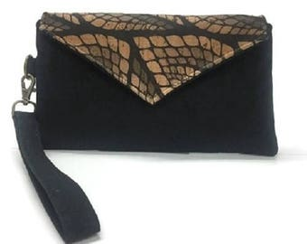 Cork Clutch, Cork Wristlet, Cork Handbag, Leaf Pattern Cork Wristlet, Black Wristlet Wallet, Cork Wallet, iPhone Wristlet, Black Cork Bag