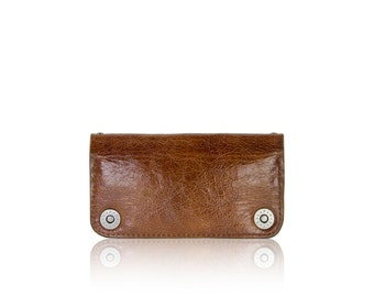 iPhone 6+, iPhone 7+, iPhone 8+ RETROMODERN aged leather wallet - - LIGHTBROWN